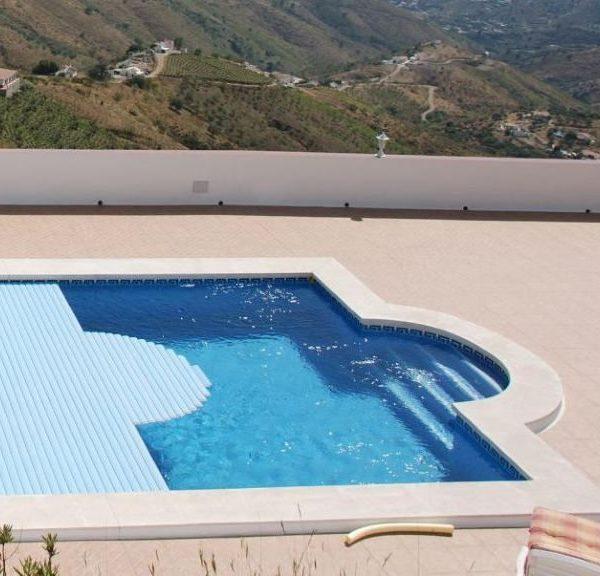 Cubiertas de persiana safe automaticas piscinas athena for Piscinas athena