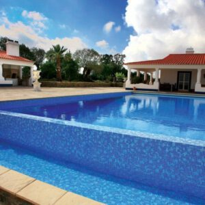 piscinas desbordantes