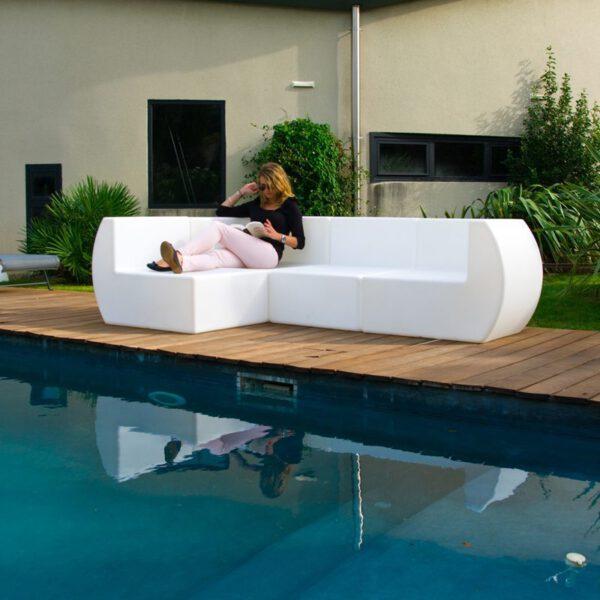 Sof angular de dise o chill out para exteriores for Sofa chill out exterior