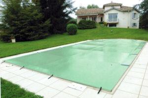 Cubierta de barras piscina color verde