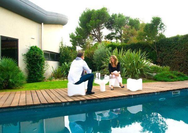Mesa baix para exteriores y terrazas privadas piscinas for Piscinas athena