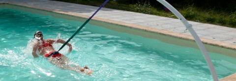 Natación estática en piscinas prefabricadas