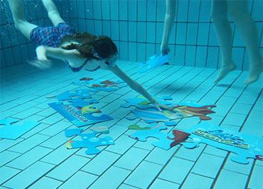 Juegos subacuaticos de piscina para la diversi n - Cantidad de salfuman para bajar ph piscina ...