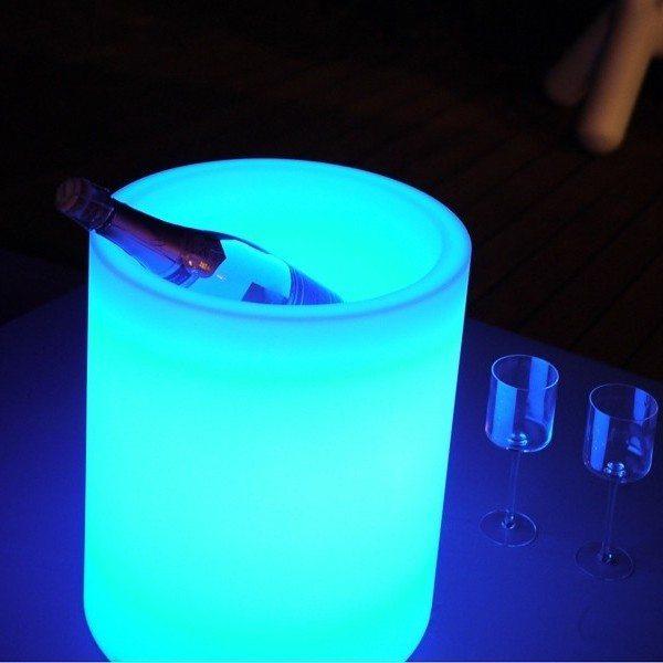 Iluminaci n led para jard n y exteriores toda la gama en for Iluminacion led para piscinas