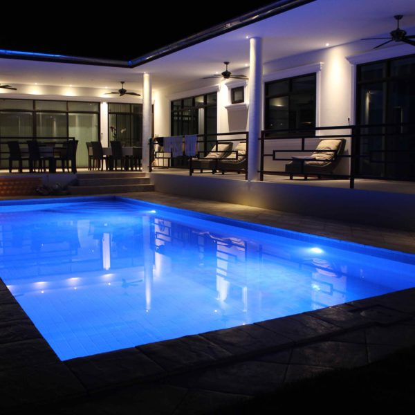 Lampara led par 56 10 colores piscinas athena - Piscinas athena ...