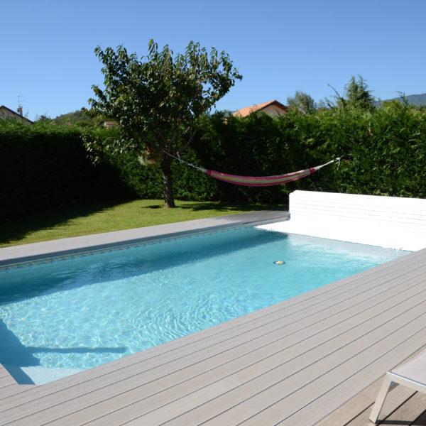 Cubierta de persiana open neo abriblue piscinas athena for Piscinas athena