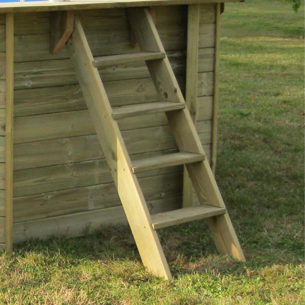 imagen Escalera piscina de madera exterior de GRE