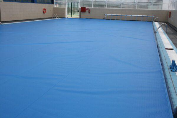 Manta isotérmica de espuma para piscina