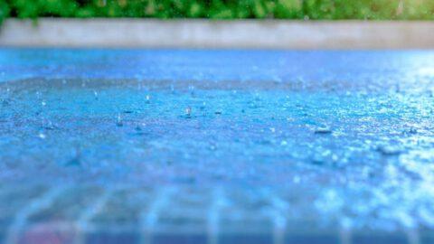 ¿Como proteger tu piscina de la lluvia?