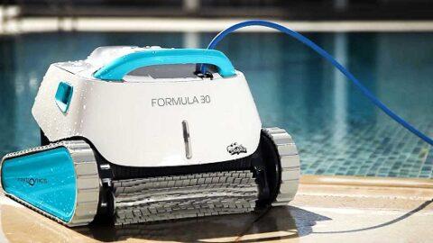 Cómo usar y mantener un limpiafondos de piscina eléctrico